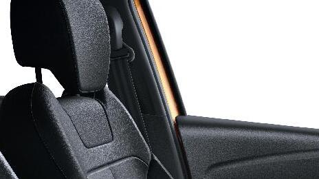 Cinturón de seguridad del conductor y del pasajero regulable en altura