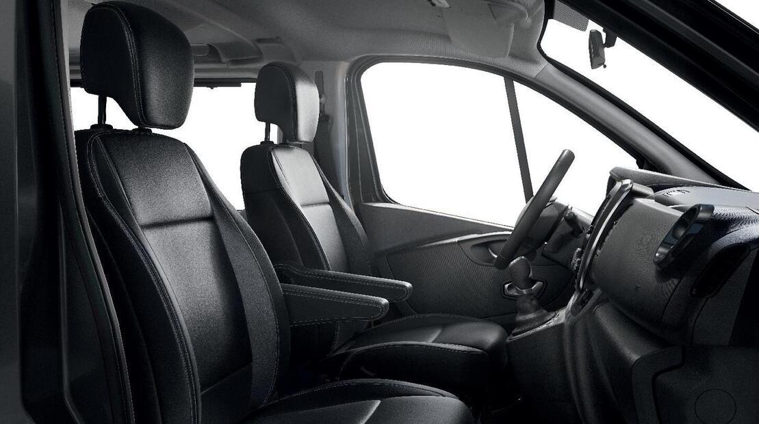Höhenverstellbarer Beifahrersitz mit Lendenwirbelstütze und Armlehne