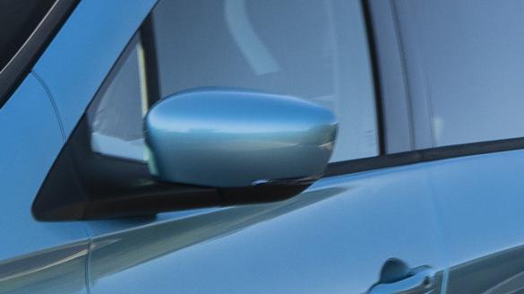 Kryty vonkajších spätných zrkadiel, vo farbe karoserie