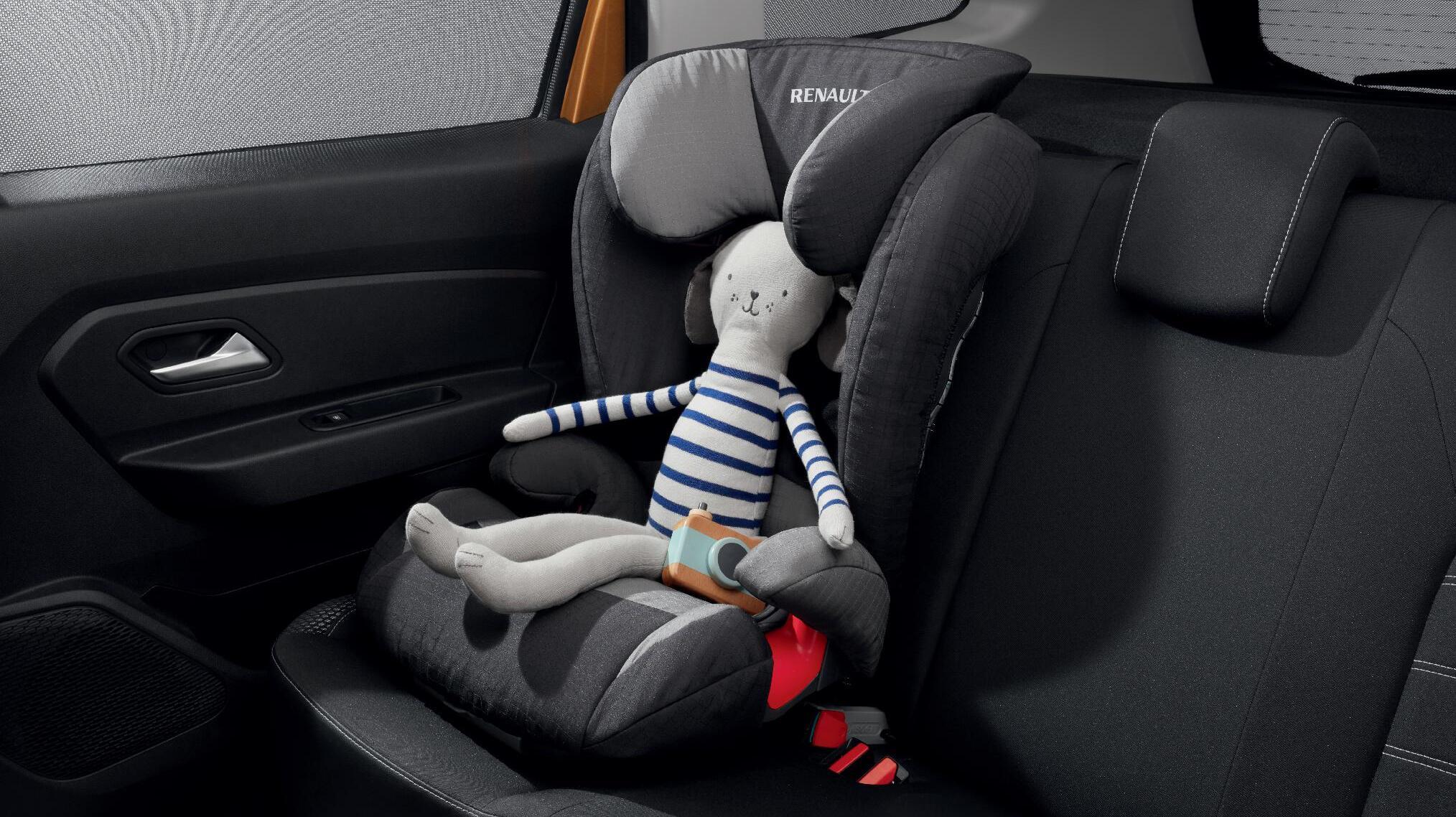 Arka yan koltuklarda çocuk koltuğu için Isofix bağlantı sistemi